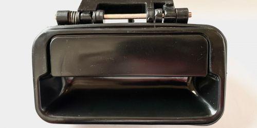 1990-2003 Suzuki Swift - Kilincs, külső jobb hátsó Minőségi utángyártott alkatrész: 82830-80E00-5PK 1999Ft